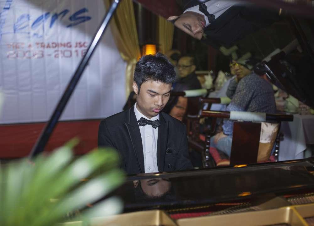 Vị khách mời đặc biệt: Nghệ sĩ piano Nguyễn Thế Vinh