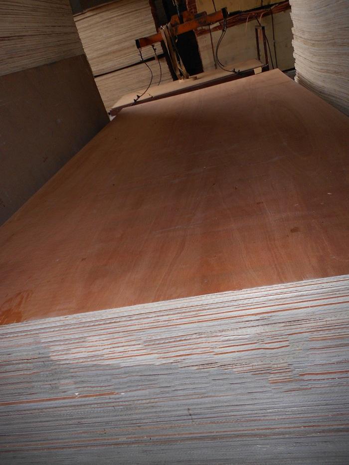 gỗ dán công nghiệp