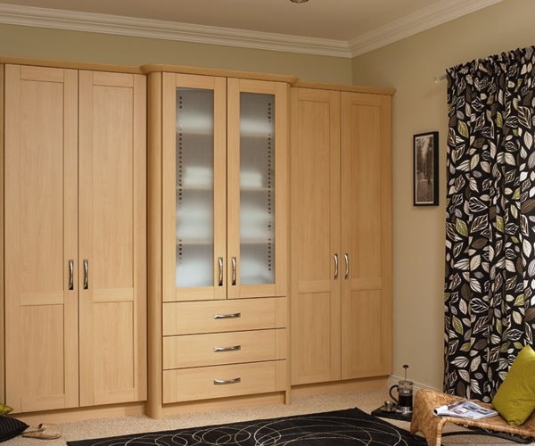 Tủ quần áo bằng gỗ dán công nghiệp